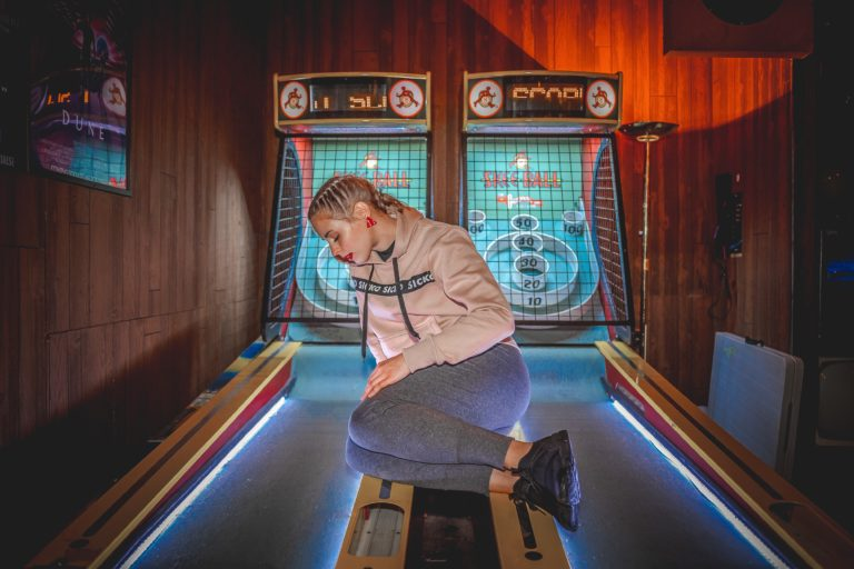 skeeball-player