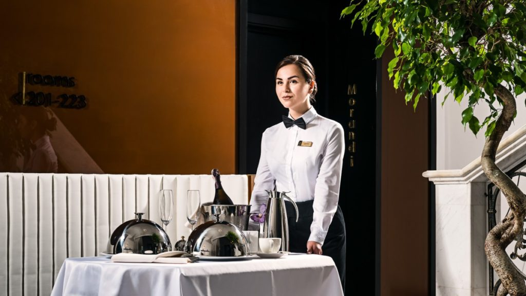 traditional-room-service-hotels